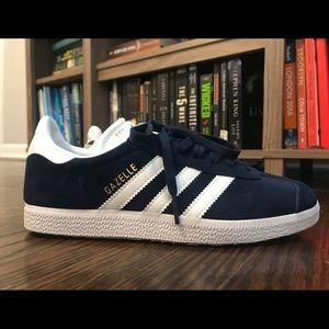 Adidas Gazelle Sneakers (Navy/White)